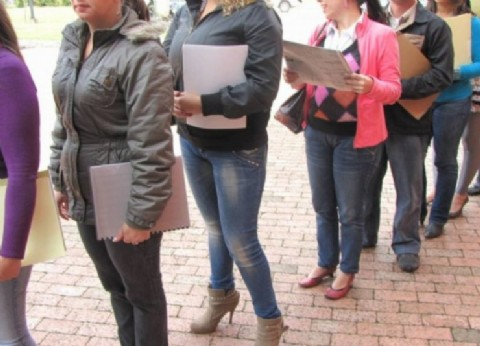 Mientras el Gobierno mira las encuestas de campaña, un 17,6 por ciento de los jóvenes no logra conseguir empleo