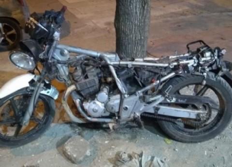 Balearon a la hermana de un automovilista prófugo que mató a motociclista en un accidente