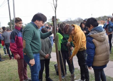 El intendente de General Rodríguez convocó a la comunidad a realizar acciones para cuidar el Medio Ambiente