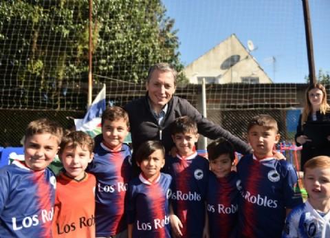 El intendente de Esteban Echeverría, junto a instituciones sociales y deportivas del distrito