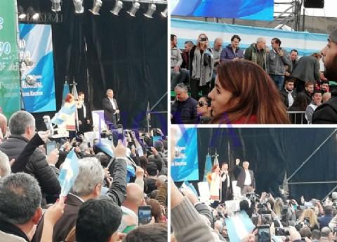 Con la excusa de una inauguración en Merlo, los Fernández encabezaron su primer acto de campaña