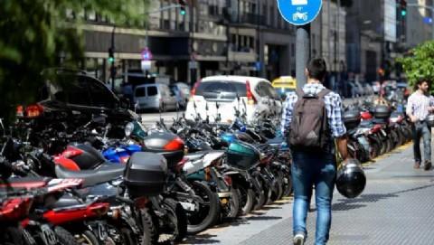 Macri paró la moto: pese al Ahora 12, se desplomó un 44,5 por ciento la venta del sector