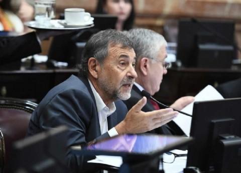 ¿Mensaje para Schiaretti? El cordobés Caserio presidirá el bloque peronista en el Senado