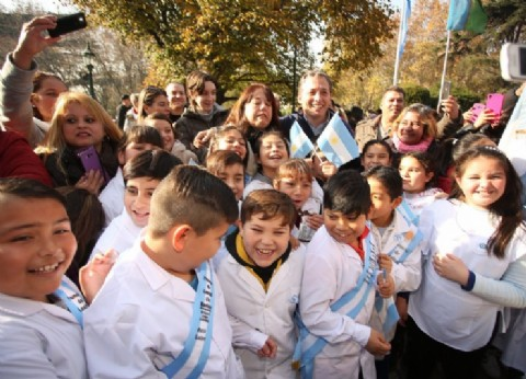 El municipio de Esteban Echeverría invita a los vecinos al acto de Promesa a la Bandera