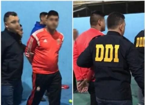 Un barra de Estudiantes de La Plata jugaba al paddle pero llegaron policías y lo detuvieron por un crimen