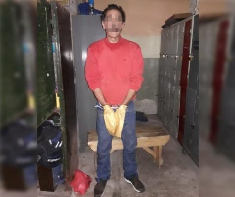 Esperó escondido entre las plantas y mató a su ex pareja frente a un salón de fiestas