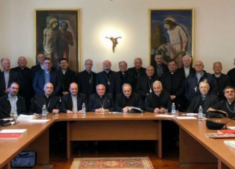 """Para rezarle a los santos: la Iglesia pide abrir el diálogo ante la """"sensible realidad social"""""""