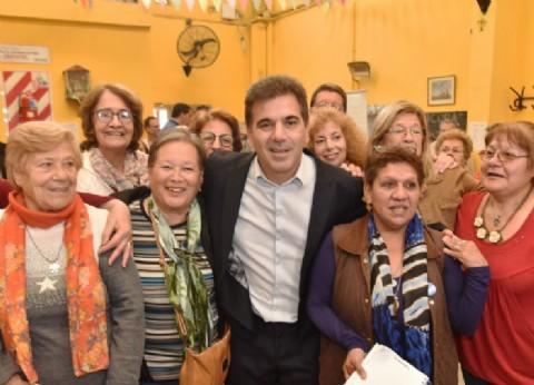 """Ritondo participó de un taller con ancianos para prevenir los famosos """"cuentos del tío"""""""