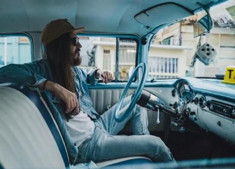 """Carlos Sadness abre una nueva etapa con """"Ahorita"""", su nuevo tema y video de inspiración cubana"""