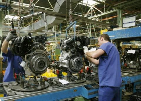 Y ahora, ¿quién podrá defenderlos?: el salario de los industriales se derrumbó un 40 por ciento este año