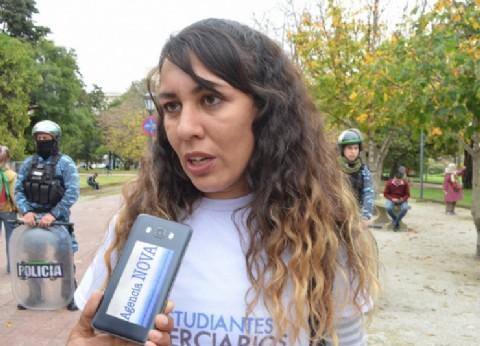 """Terciarios marcharon por el boleto estudiantil en La Plata: """"No podemos bancar el boleto, ni los apuntes"""""""