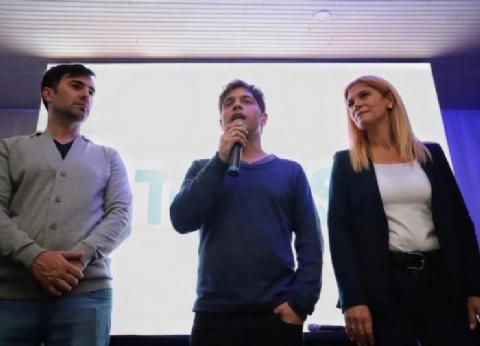 Echarren recibió a Kicillof y Magario: la fórmula visitó Castelli en su primera salida juntos