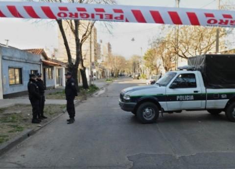 Salvaje oeste: un policía fue asaltado por seis delincuentes y quedó mal herido