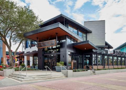 Bigfire, el nuevo restaurante de cocina a fuego abierto en Universal, ya deleita a los comensales
