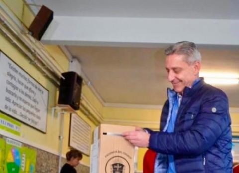 """Arcioni, gobernador de Chubut: """"Votar es lo que legitima los reclamos y las voces"""""""