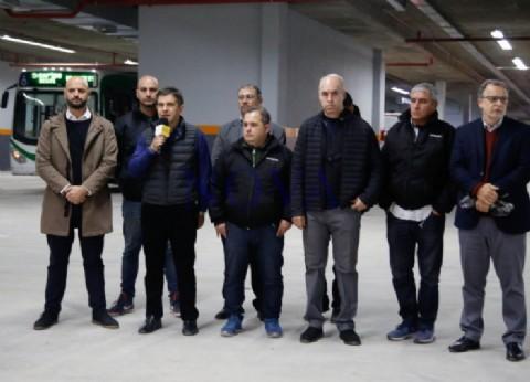 Inauguraron un estacionamiento exclusivo para los funcionarios con el bolsillo de los argentinos