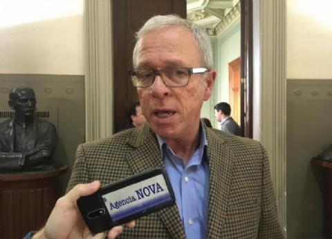 """Senadores bonaerenses acompañaron el lanzamiento de una línea telefónica para """"embarazos vulnerables"""""""
