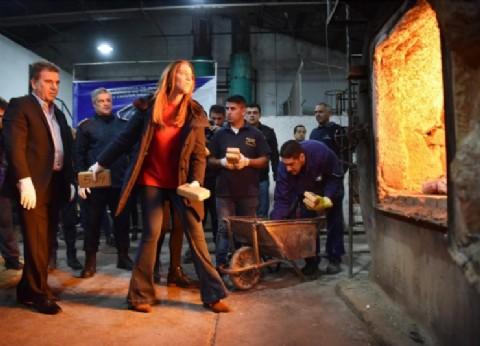 Vidal y Ritondo supervisaron la quema de 4.500 kilos de droga