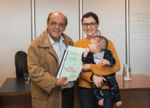 El municipio de Berazategui entregó registros de protección de vivienda a 65 vecinos