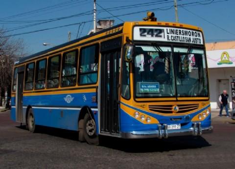 Se reducirá el servicio nocturno de los colectivos en el Conurbano ante la falta de subsidios