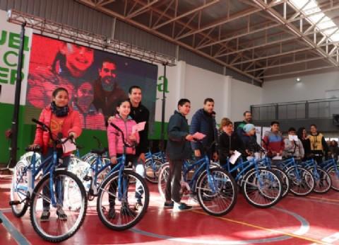 La Costa: comenzó Vamos Todos en Bici, el programa que agasaja a los chicos de las Escuelas Municipales de Deportes