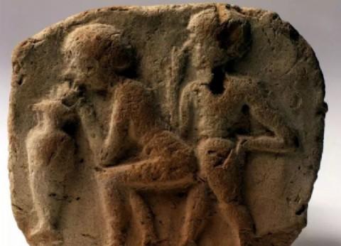 Nisroch y Kenel, las divinidades asirias de la sexualidad festiva y transgresora