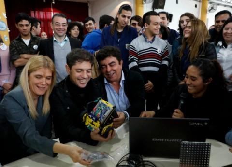 Axel Kicillof, Verónica Magario y Fernando Espinoza recorrieron una escuela técnica de La Matanza