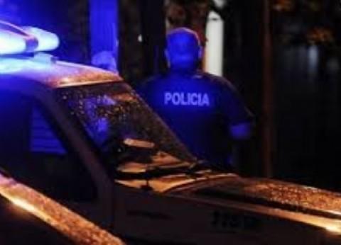 Tres delincuentes mataron a balazos a un policía delante de su esposa