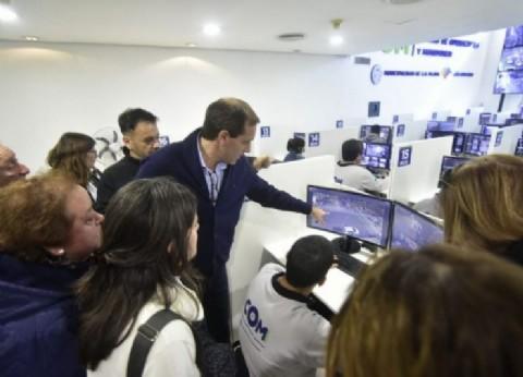 En junio, más de 300 vecinos platenses visitaron las instalaciones del nuevo Centro de Operaciones y Monitoreo Municipal