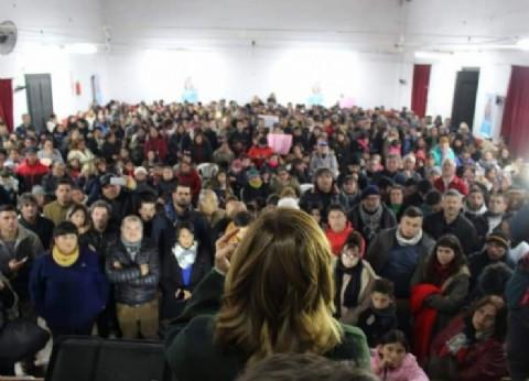"""Fuerte presencia de la militancia de """"Todos"""" en la presentación de la lista de Saintout en La Plata"""