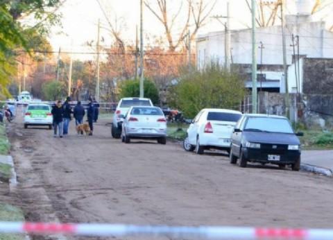 Confusión fatal: policías que acudieron a un llamado de emergencia se tirotearon y uno murió