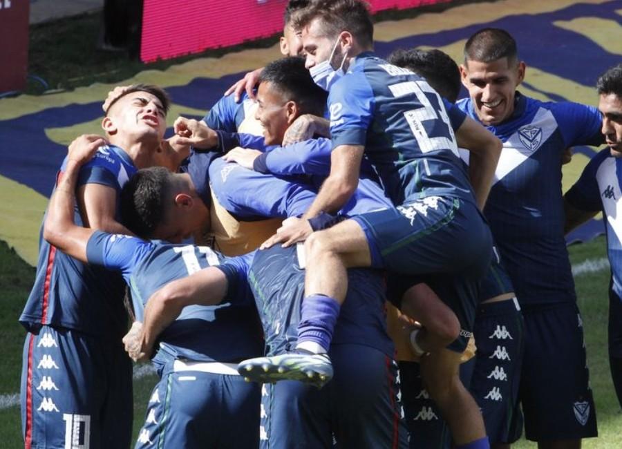 Vélez le ganó a Lanús y es el primer clasificado a la siguiente instancia